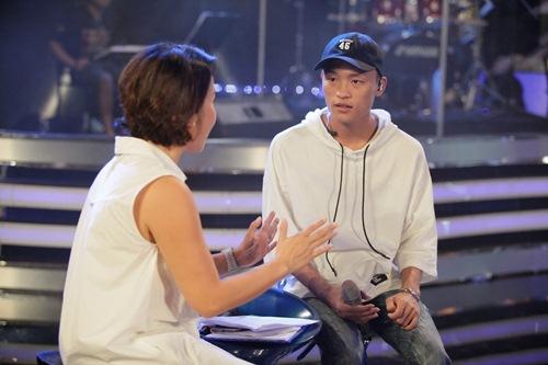 Diva Mỹ Linh xinh đẹp đi dạy hát cho thí sinh Vietnam Idol-16