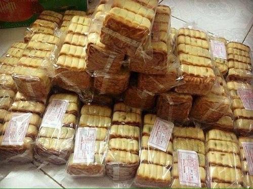Bánh Trung thu nướng giá siêu rẻ 4.000 đồng được bán online tràn lan-2