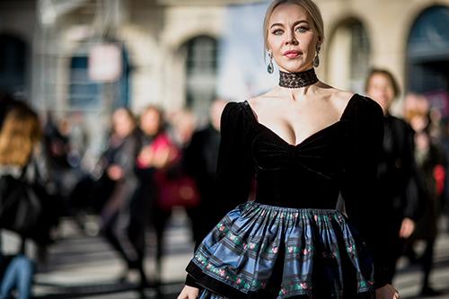 Phát ghen với thời trang cổ tích của vợ tỷ phú Nga-2