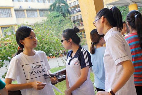 Thứ trưởng Bùi Văn Ga giải đáp thắc mắc thí sinh đi đâu để các trường không đủ chỉ tiêu-2