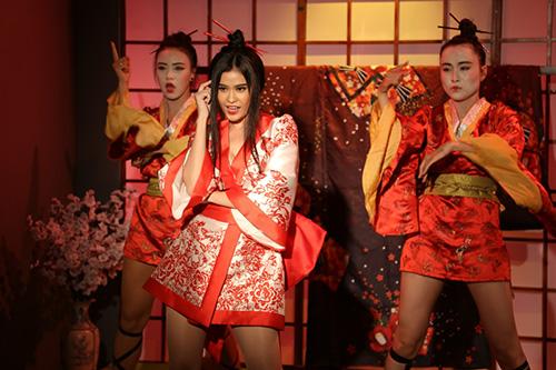 truong quynh anh bat ngo hoa sat thu geisha sac lanh ma quyen ru - 4