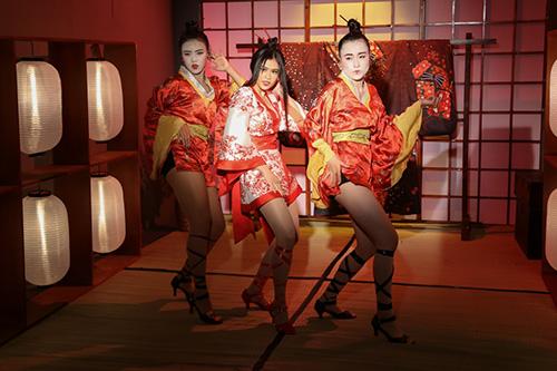 truong quynh anh bat ngo hoa sat thu geisha sac lanh ma quyen ru - 5