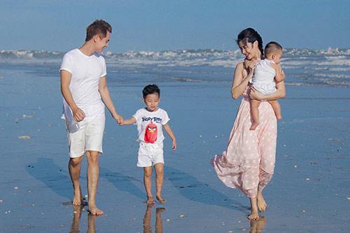 Vợ Đăng Khôi nỗ lực giảm từ 57kg sau sinh để giữ chồng-4