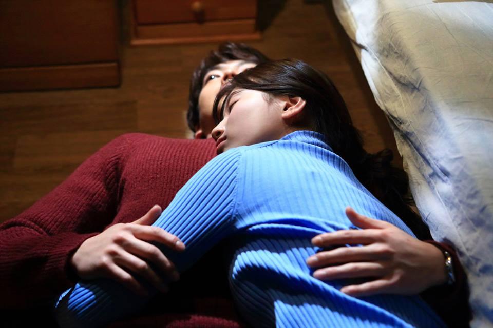 """""""Yêu không kiểm soát"""" tập 17: Suzy vô tư ôm bạn trai ngủ suốt đêm-1"""