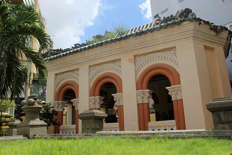 Choáng ngợp khu mộ cổ của bá hộ giàu nhất Sài Gòn xưa-15