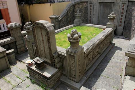 Choáng ngợp khu mộ cổ của bá hộ giàu nhất Sài Gòn xưa-19