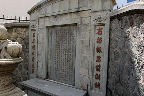 Choáng ngợp khu mộ cổ của bá hộ giàu nhất Sài Gòn xưa-20