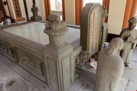 Choáng ngợp khu mộ cổ của bá hộ giàu nhất Sài Gòn xưa-6