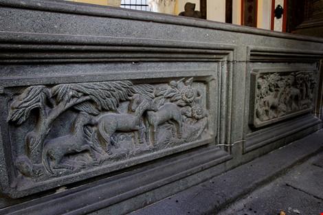 Choáng ngợp khu mộ cổ của bá hộ giàu nhất Sài Gòn xưa-8
