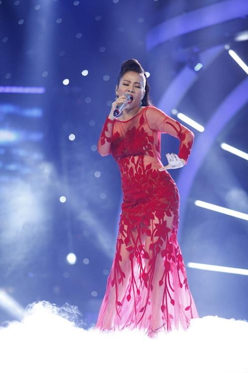 vietnam idol: thu minh dien vay long lay, bat ngo hat tang khan gia - 6