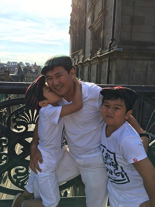 "a hau thu huong: khong co bat con hoc gioi de xung la ""con nha nguoi ta"" - 8"