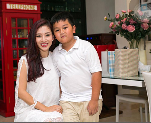 "a hau thu huong: khong co bat con hoc gioi de xung la ""con nha nguoi ta"" - 6"