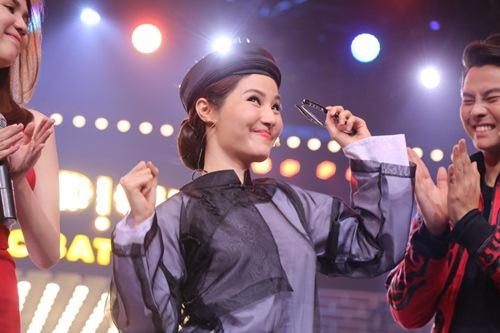 """ky phung dich thu: diem my 9x khoe giong hat """"tham hoa"""" - 12"""