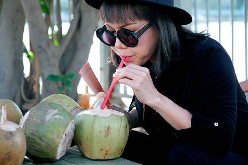 "thanh bach vo tu thay do giua chon dong nguoi, cung viet huong gay ""nao loan"" - 13"