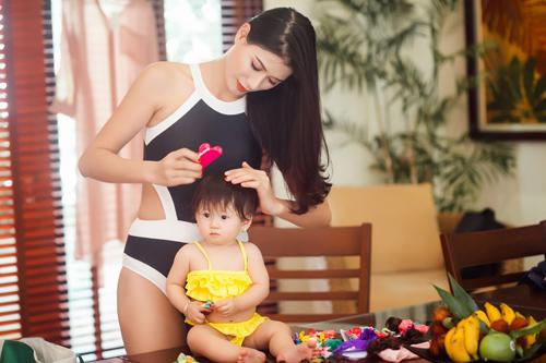 trang tran hanh phuc khoe duong cong ben be boi cung con gai - 1