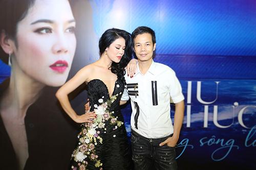 thu phuong dien dam long lay, khoe giong hat ben dan hot boy - 7