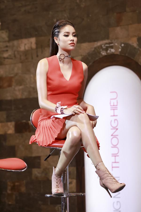 vietnam's next top model: 4 nguoi dep nay deu om mong ca hoa hau lan nguoi mau - 7