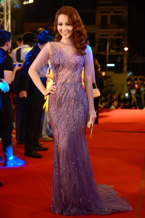 """nha phuong, tran thanh """"le bong"""" tren tham do vtv awards - 5"""