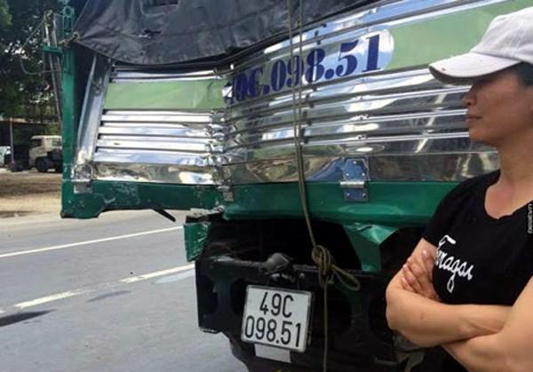 """""""anh hung xe tai"""" ke lai phut giay """"diu"""" xe khach xuong deo - 2"""
