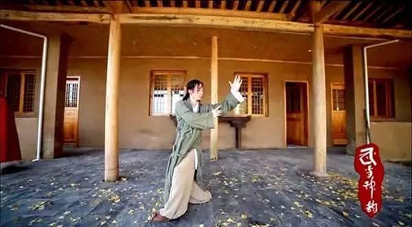 chuyen that nhu dua: doi vo chong len nui song nhu phim kiem hiep - 11