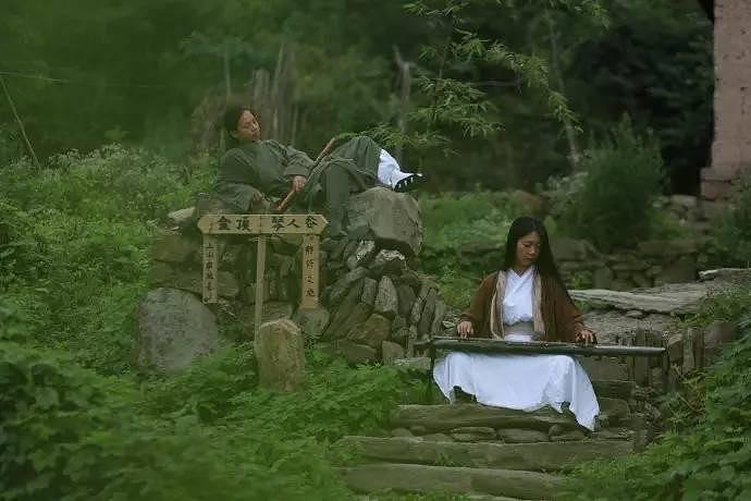 chuyen that nhu dua: doi vo chong len nui song nhu phim kiem hiep - 6