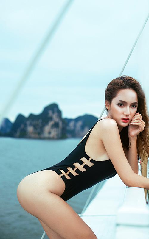 huong giang idol khoe duong cong tao bao tren du thuyen sang trong o ha long - 2