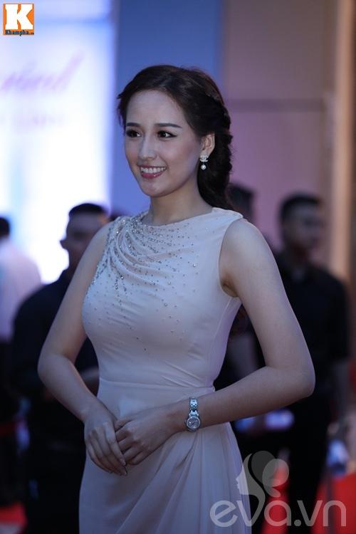"khanh thi rang ngoi xuat hien tai dam cuoi ""tinh cu"" chi anh va vo 18 tuoi - 14"