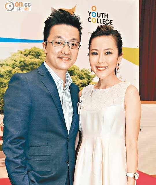 lay chong dai gia, mc hongkong mot nam 3 lan bi duoi khoi nha - 2