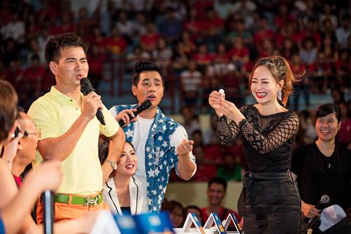 """bang kieu va lan phuong bi don vao the """"bat chap trao nu hon"""" - 5"""