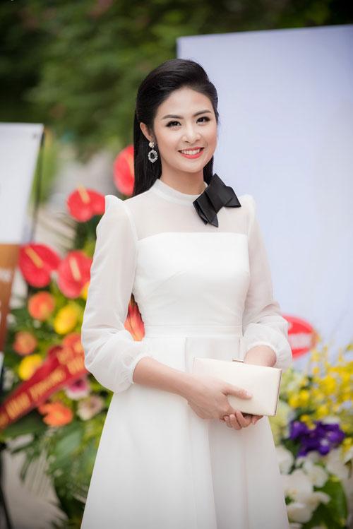 Cuối tuần bận rộn của HH Ngọc Hân, Á hậu Tú Anh cùng dàn người đẹp-1