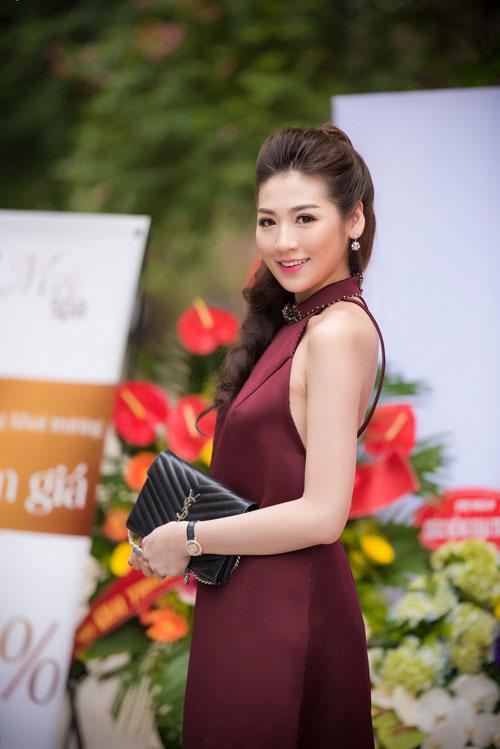 Cuối tuần bận rộn của HH Ngọc Hân, Á hậu Tú Anh cùng dàn người đẹp-2