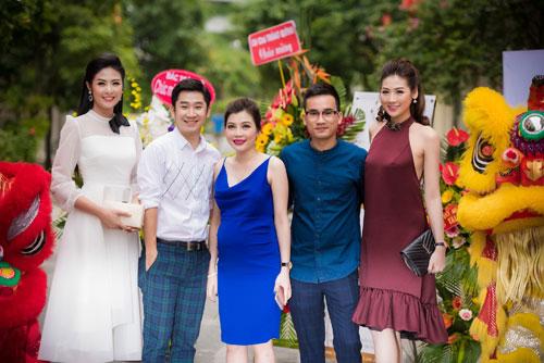 Cuối tuần bận rộn của HH Ngọc Hân, Á hậu Tú Anh cùng dàn người đẹp-3