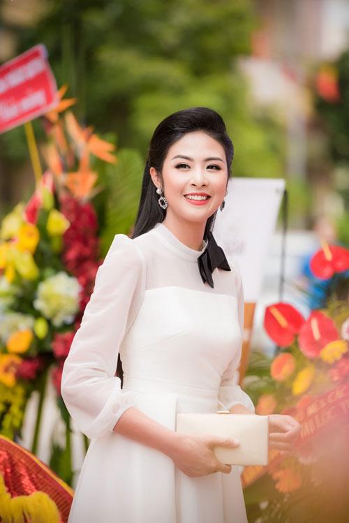 Cuối tuần bận rộn của HH Ngọc Hân, Á hậu Tú Anh cùng dàn người đẹp-6