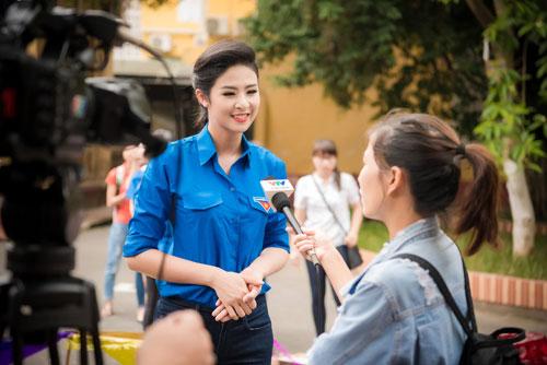 Cuối tuần bận rộn của HH Ngọc Hân, Á hậu Tú Anh cùng dàn người đẹp-13
