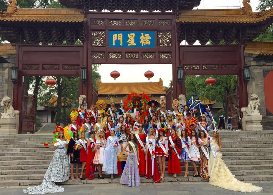 "lai thanh huong mang ao dai ""he mat troi"" di do sac nguoi dep the gioi - 2"