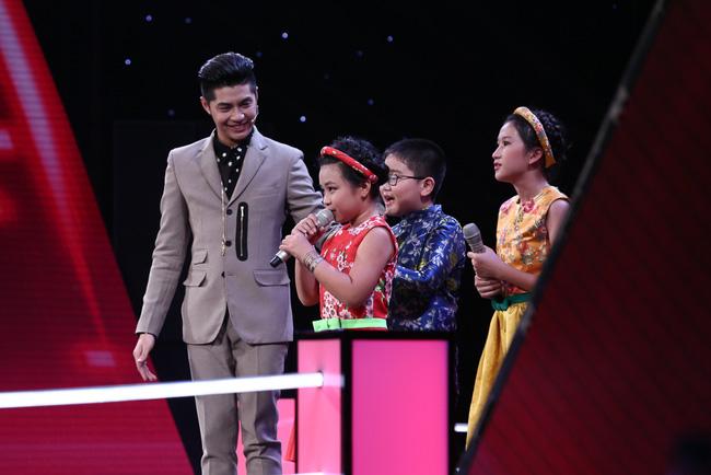 "tv show tuan qua: bang kieu thay thi sinh ""mat dan"", tran thanh bi ""nem da"" tai vtv awards - 4"