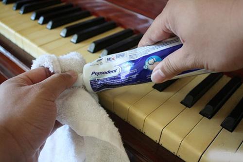 12 công dụng tuyệt vời của kem đánh răng mà bạn chưa biết đến-3