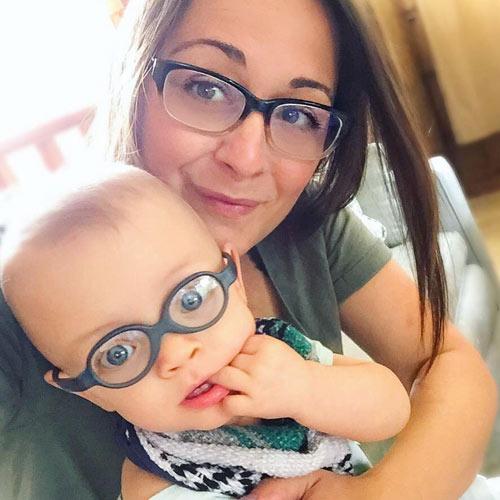 Cặp song sinh đẻ non 23 tuần bé bằng chai nước sống sót kỳ diệu-7