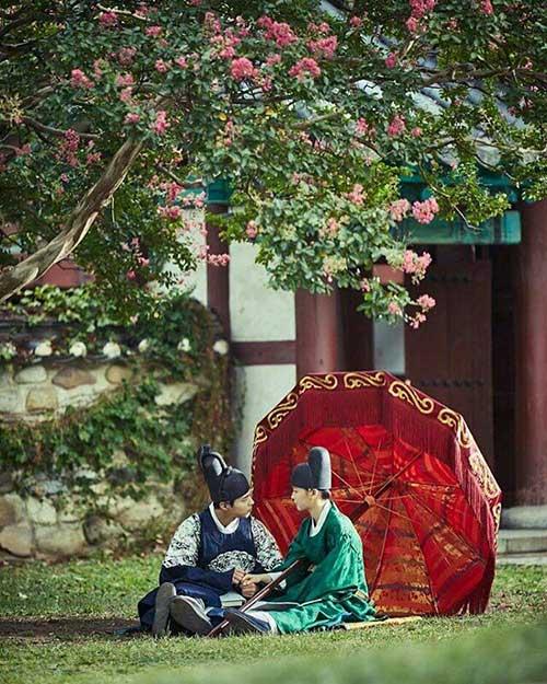 may hoa anh trang tap 8: hoa ra park bo gum da biet kim yoo jung la gai gia trai - 4
