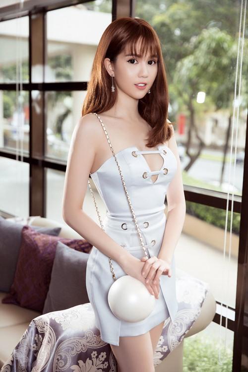 "ngoc trinh dang can nhac 2 du an phim sau ""vong eo 56"" - 12"
