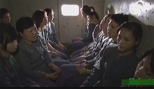 "sau 7 nam, dan dien vien chinh ""13 nu tu"" vui  ve ngay tai ngo - 2"