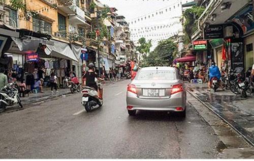 """Sự thật về các tuyến phố đi bộ của Hà Nội bị """"vỡ trận""""-1"""