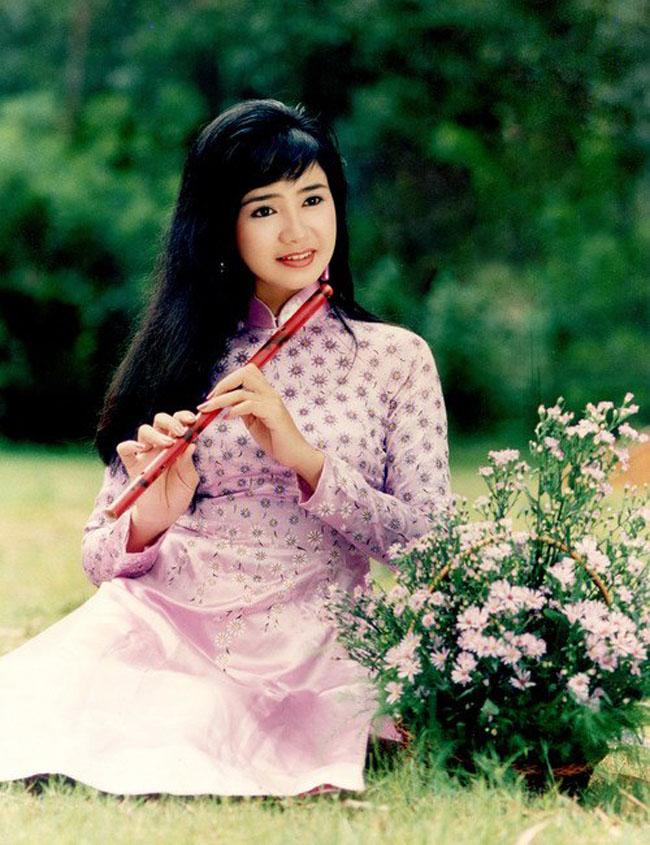 Thời trang sao Việt xưa: Lá ngọc cành vàng từng làm khán giả chao đảo 20 năm trước-8