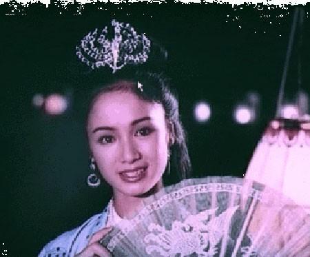 Thời trang sao Việt xưa: Lá ngọc cành vàng từng làm khán giả chao đảo 20 năm trước-1