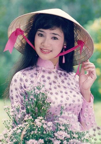 Thời trang sao Việt xưa: Lá ngọc cành vàng từng làm khán giả chao đảo 20 năm trước-9