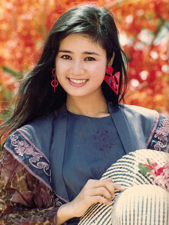 Thời trang sao Việt xưa: Lá ngọc cành vàng từng làm khán giả chao đảo 20 năm trước-13