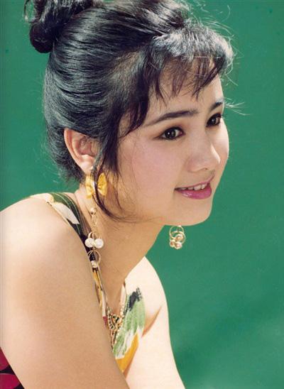 Thời trang sao Việt xưa: Lá ngọc cành vàng từng làm khán giả chao đảo 20 năm trước-4