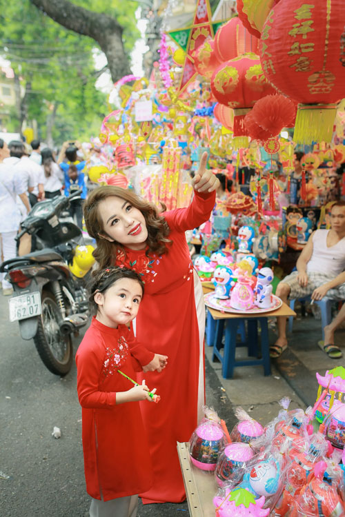 mc bach lan phuong mac do doi voi con gai nho dao pho trung thu - 10