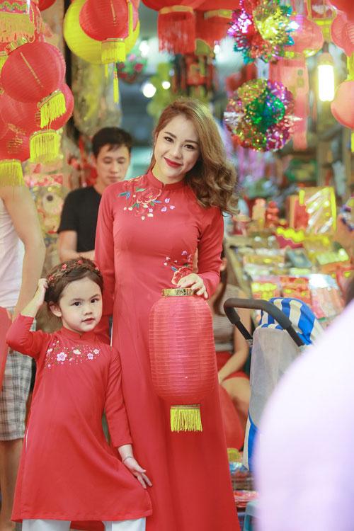mc bach lan phuong mac do doi voi con gai nho dao pho trung thu - 11
