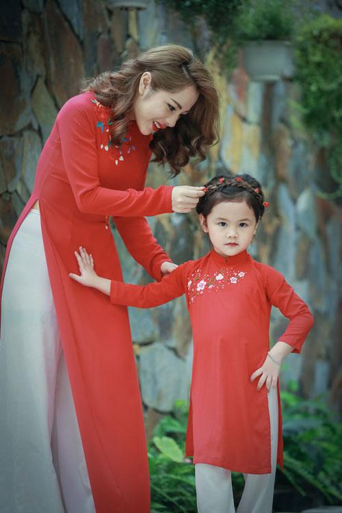 mc bach lan phuong mac do doi voi con gai nho dao pho trung thu - 8